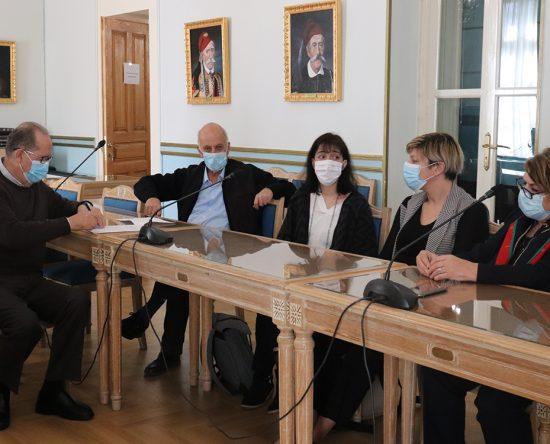 Η Περιφέρεια μαζί με το ΕΜΠ για την αντιμετώπιση της ρύπανσης από τα πυρηνελαιουργεία